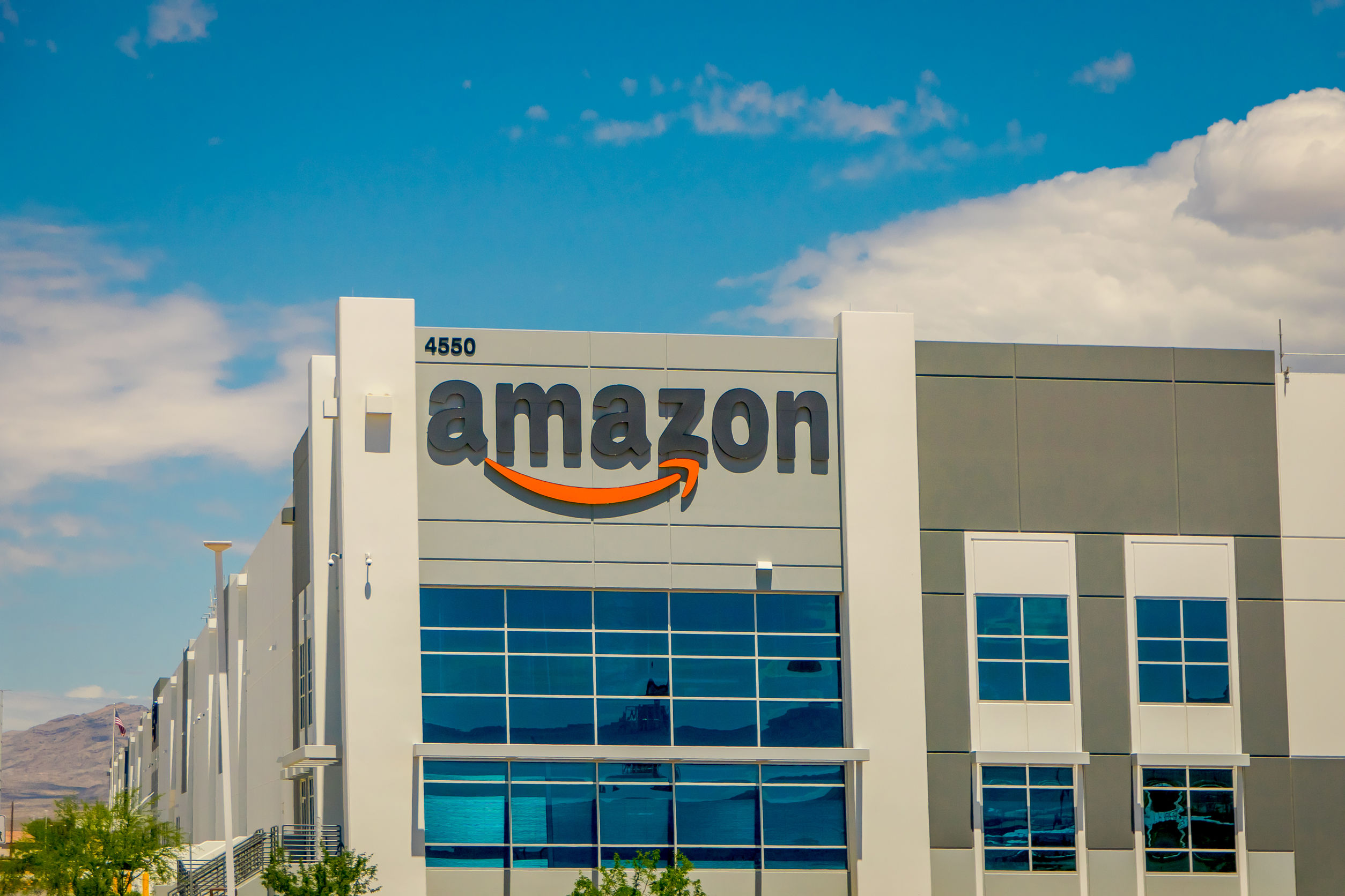 Amazon fulfillment center: copying the 'deliver from store' model